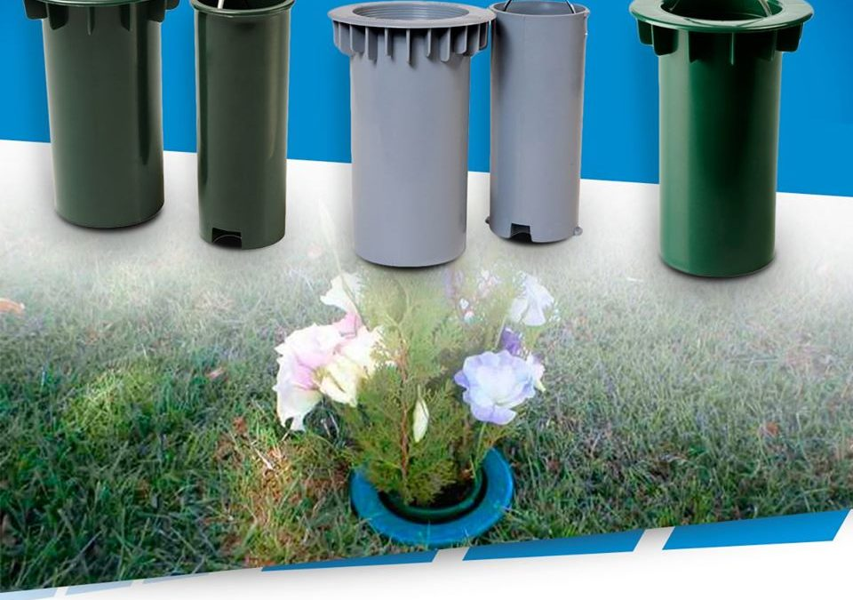 ¿Cuál es la importancia de usar Floreros aptos en los Cementerios Parque?
